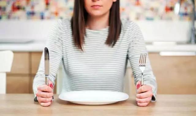 八小时进食减肥法,靠谱不靠谱?